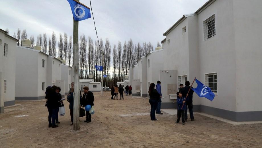 En julio se entregaron 40 viviendas en las 127 hectáreas del barrio La Sirena. (Gentileza).-