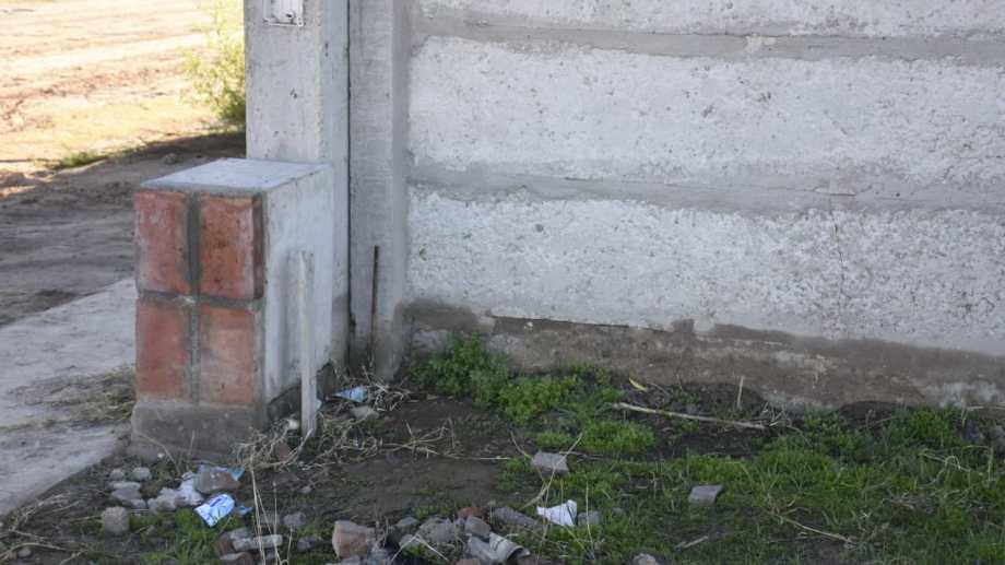 El bebé fue hallado dentro de una caja, detrás de un nicho de gas. (Florencia Salto).-