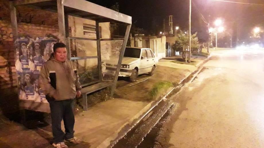 Los choferes de todas las empresas de colectivos que circulan por Neuquén se adhirieron al paro. (Mauro Pérez).-