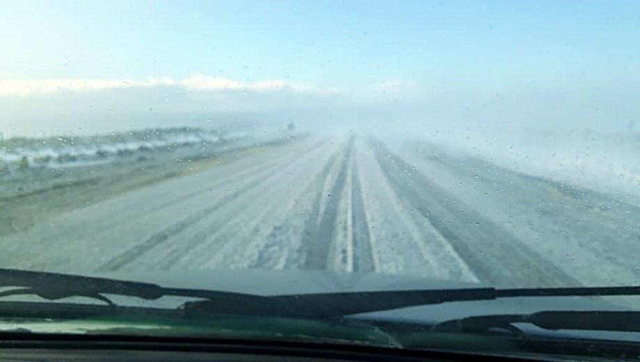 Así estaba el acceso el domingo pasado, cuando el viento blanco obligó a cerrar el parque de nieve.