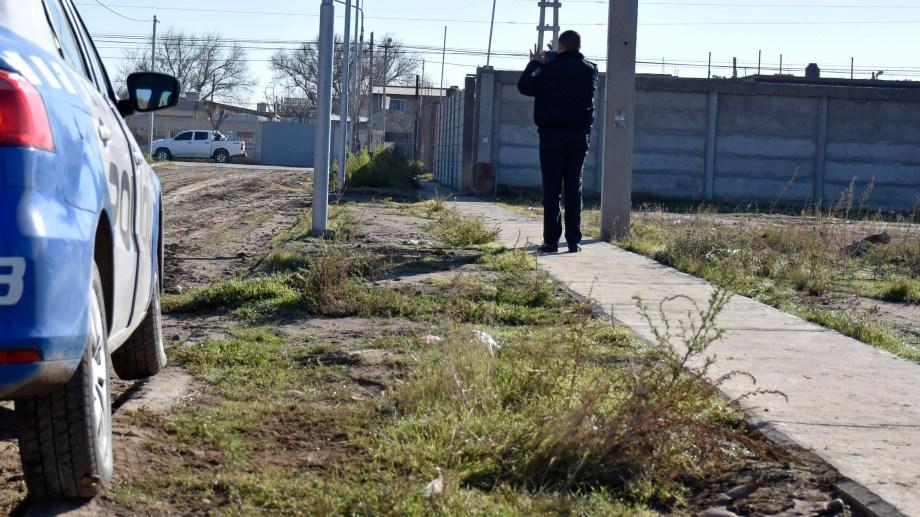 En un nicho de gas fue encontrado el bebé, el martes. Foto Mauro Pérez