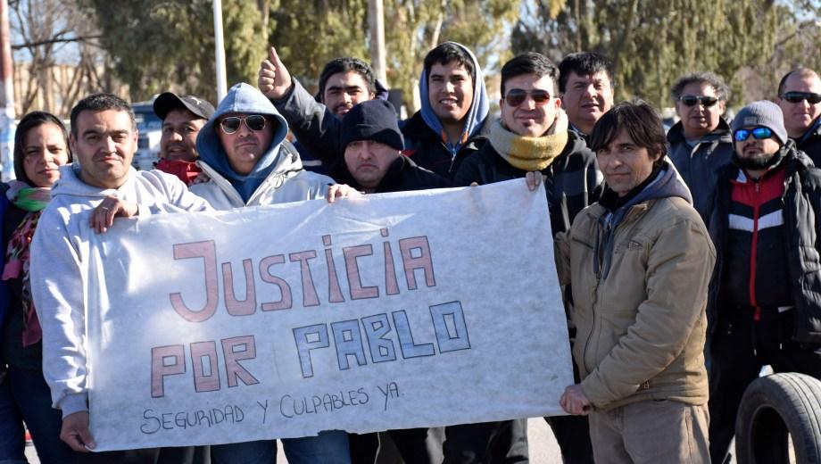 Los taxistas cortaron el tránsito durante 58 horas exigiendo justicia por Pablo Sánchez. (Archivo Florencia Salto).-