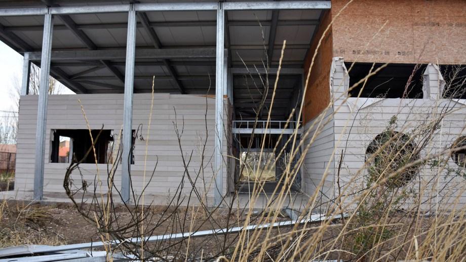 El gobierno licitó la tercera obra en Neuquén. En la provincia se proyectaron 30 y ninguno se terminó. Foto: Florencia Salto.
