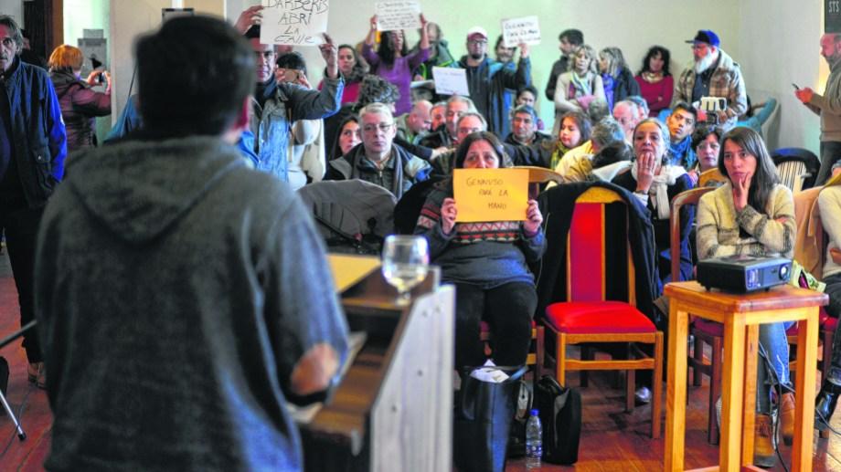 El gobierno municipal convocó el año pasado a los vecinos a una audiencia pública para la revisión de la tarifa del servicio. Foto: archivo