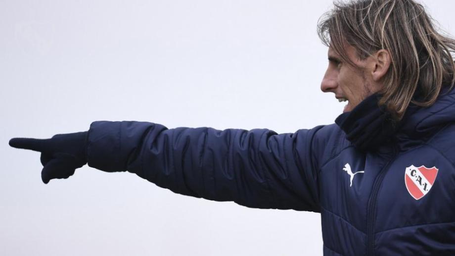 Beccacece vuelve a Florencio Varela pero como DT del Rojo.