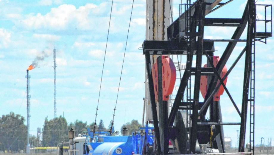 La falta de capacidad en el transporte obligó en los meses de verano a cerrar pozos de gas por no contar con mercado. Foto: Yamil Regules.
