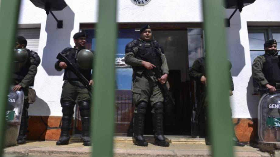 El Escuadrón 34 de Gendarmería Nacional en Bariloche, custodiado en la última visita de Bullrich. (Archivo)