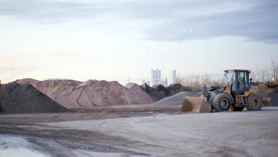 Cerca de la mitad de la actividad minera se emplaza en el departamento Añelo.
