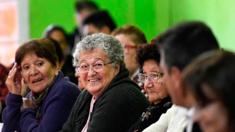 Lo jubilados de Neuquén cobrarán el incremento mañana, miércoles. (Gentileza)