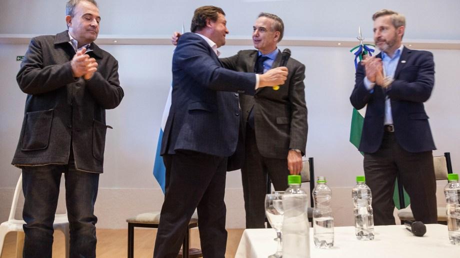 Sólo elogios entre Weretilneck y Pichetto. Fotos: Marcelo Ochoa