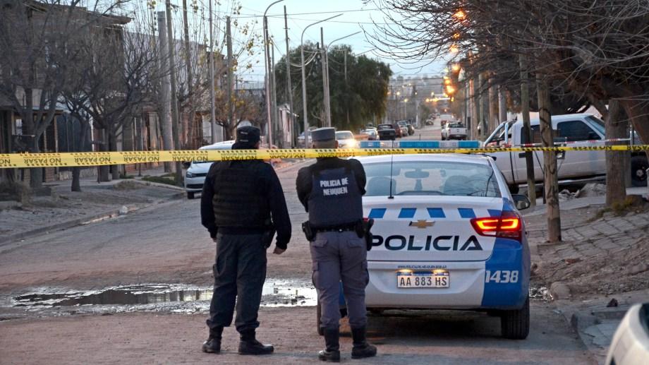 Un hombre murió de un disparo en la cabeza. Ocurrió en la madrugada en el barrio San Lorenzo de Neuquén. (Foto: Archivo.-)