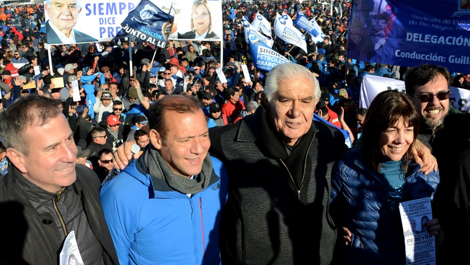 El gobernador Omar Gutiérrez compartió una asamblea petrolera con Guillermo Pereyra en Añelo.