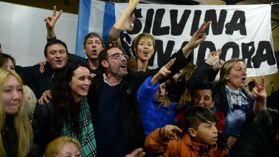 La senadora y candidata a la reelección, Silvina García Larraburu festejó en Bariloche. Foto: Alfredo Leiva