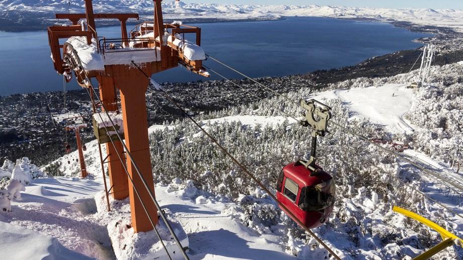 La góndola roja del Teleférico Cerro Otto vuelve a operar a partir de este martes 8 de junio. Archivo