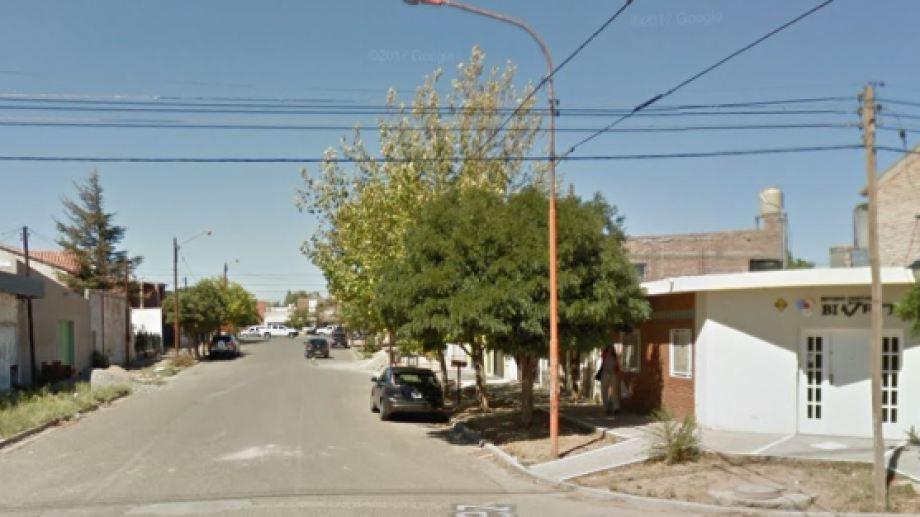 El robo ocurrió en una oficina ubicada sobre la calle Badilla al 200. (Captura)
