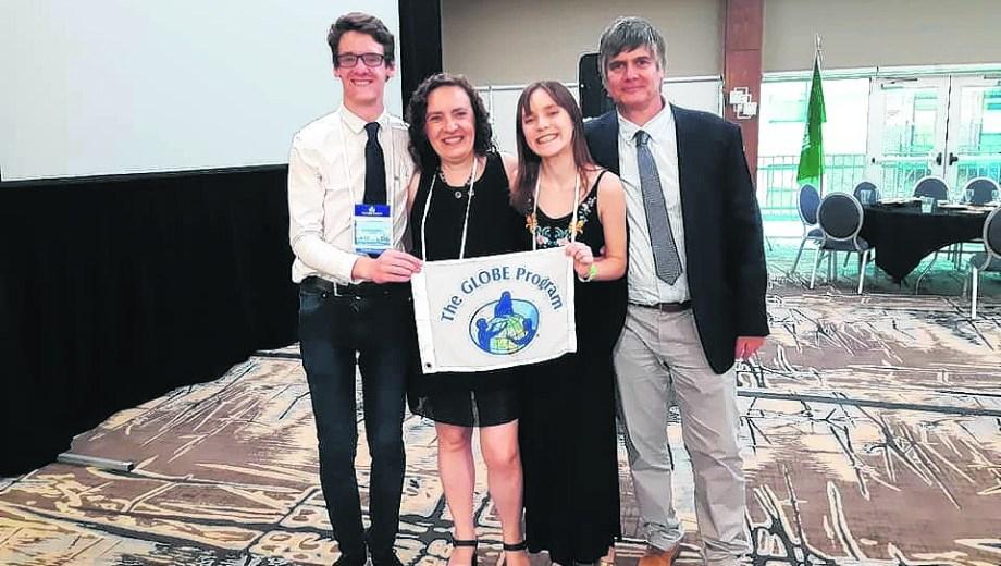 Alumnos y profesores de la región en la convención anual del Programa Globe.