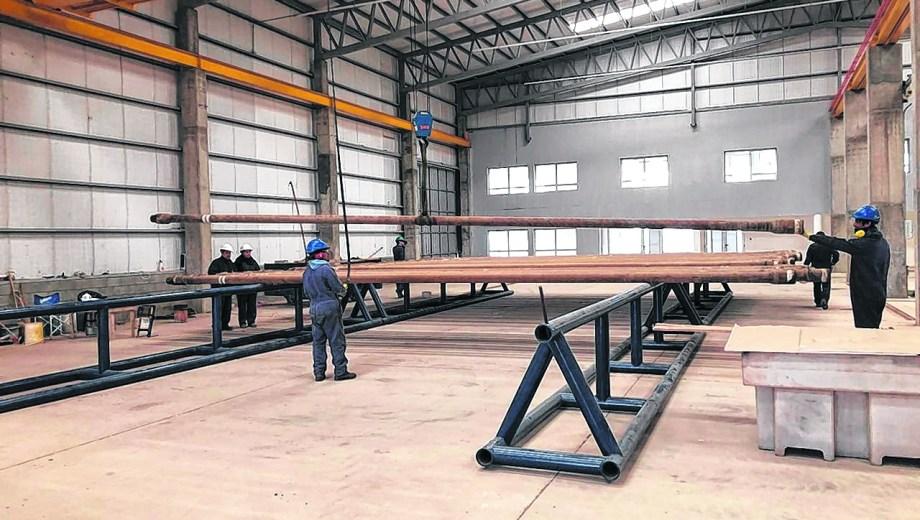 La empresa está incorporando personal joven en ingeniería y producción con miras a la continuidad de su gestión.