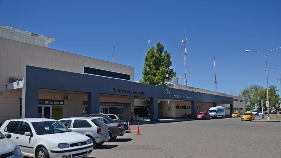 El aeropuerto Juan Domingo Perón aún está en obra y es de donde parten las dos low cost hacia El Palomar. Foto Juan Thomes
