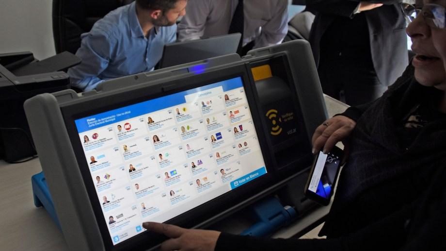 El sistema de las elecciones del 22 de septiembre será la Boleta electrónica.  Archivo: Archivo Juan Thomes