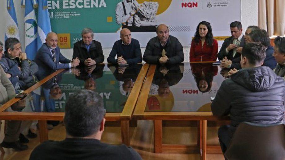 El Ejecutivo municipal se reunió con representantes de la firma, taxistas y el fiscal Vignaroli.