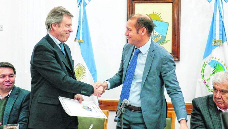 La provincia del Neuquén suma dos concesiones no convencionales La petrolera del Grupo Techint redobló la apuesta y se quedó con dos nuevas concesiones para la explotación de hidrocarburos.