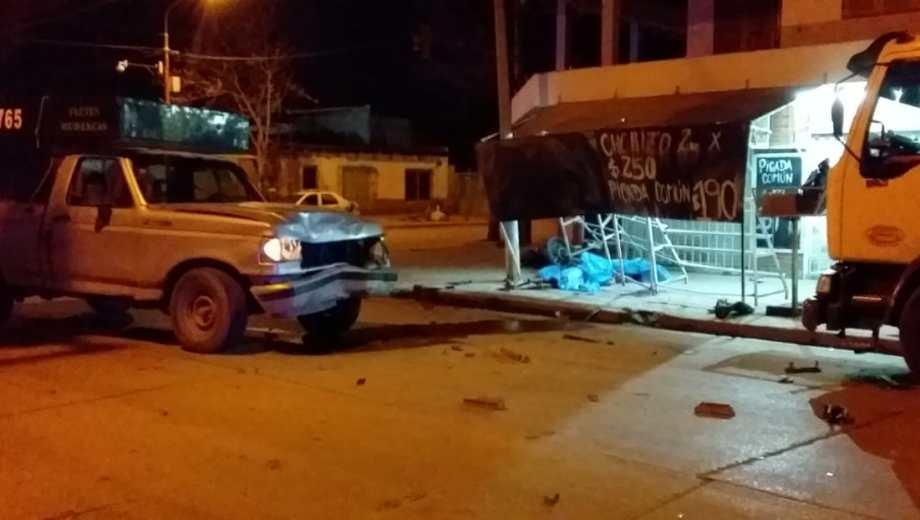 El accidente ocurrió durante la madrugada en Esquiú y Manuel Estrada. (Foto: gentileza)
