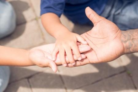 Las adopciones se hacen públicas en casos excepcionales. Foto: archivo