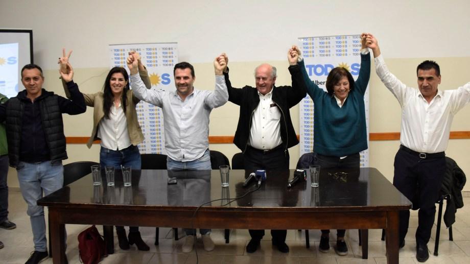 El Frente de Todos festejó el triunfo en Neuquén. (Foto: Florencia Salto)