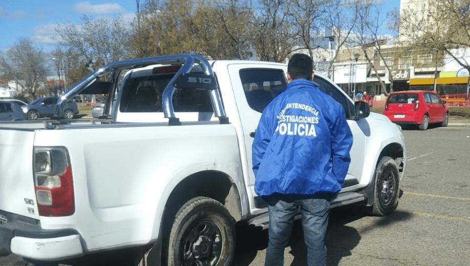 La camioneta fue secuestrada ayer por la mañana. (Foto: Gentileza Prensa y Difusión de la Policía.-)