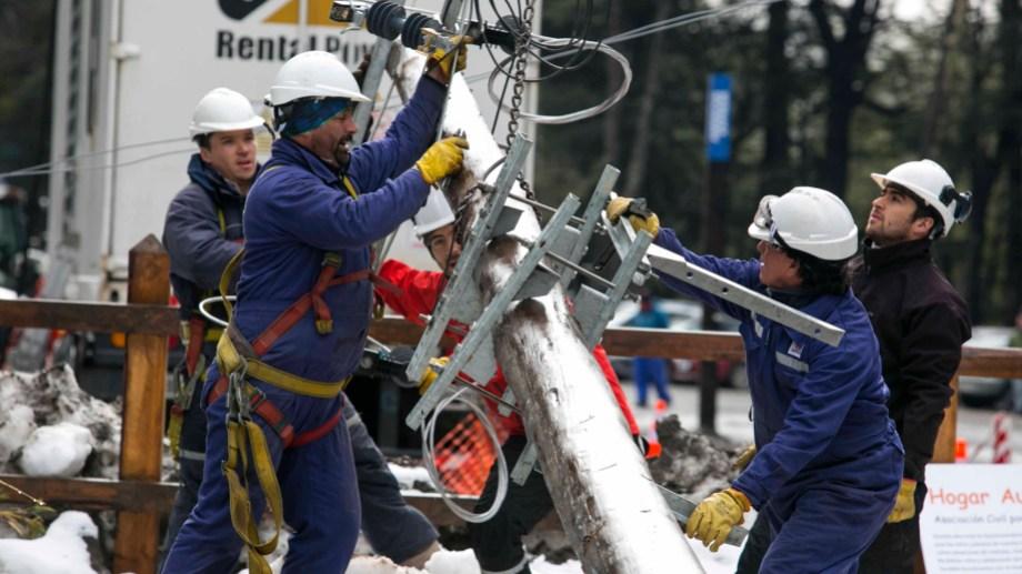 El centro de esquí ya cuenta con el servicio de electricidad  a través de la red.