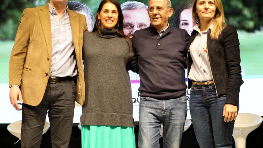 El acto de cierre de Juntos por el Cambio se realizó en el club municipal de Neuquén. Foto: Gentileza)