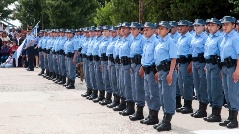 El año pasado se egresaron 256 agentes. (Foto: Archivo.-)