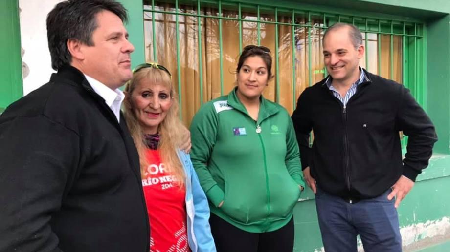 Gaido estuvo haciendo campaña ayer en  el club vecinal Valentina Norte (Foto: Gentileza)