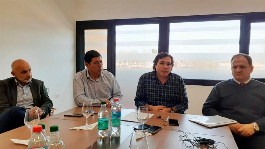 Vignaroli, Rucci, Gerez y Rosenfeld. Cumbre político-judicial en Rincón de los Sauces para atender la emergencia.
