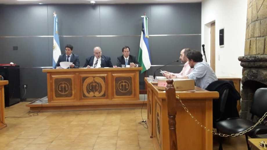 El fiscal adjunto Gerardo Miranda explicó ante el tribunal el acuerdo pleno alcanzado con los imputados. (Gentileza)