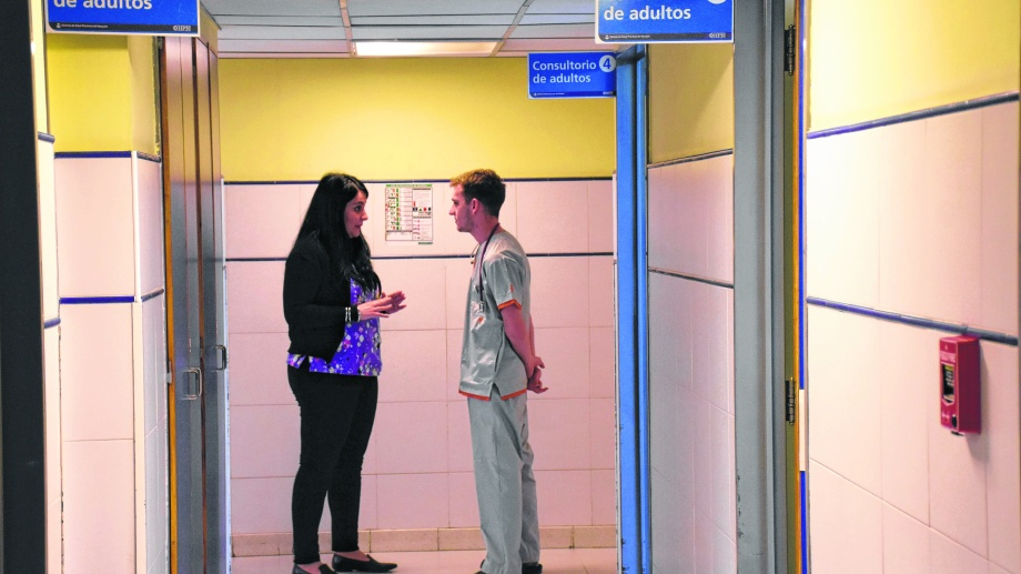El hospital Castro Rendon es uno de los lugares de la región dónde se puede realizar la residencia médica. Foto: Florencia Salto.