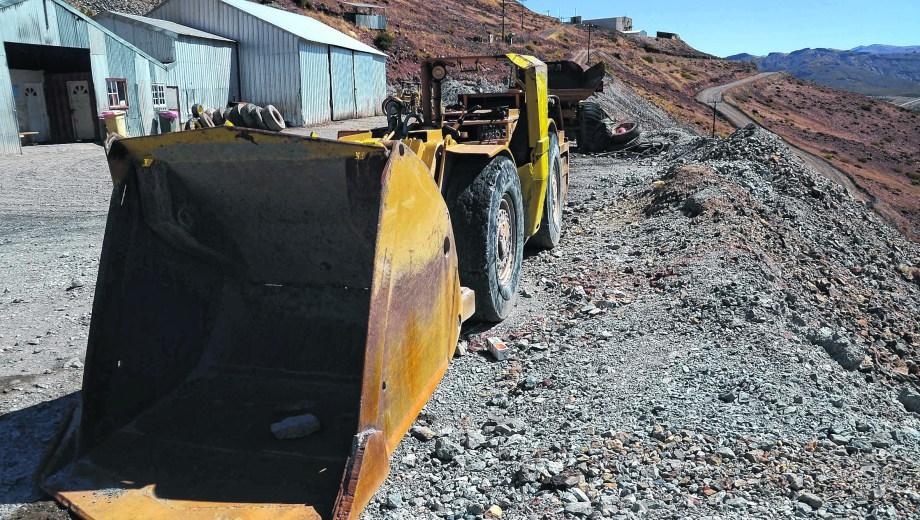 Andacollo: Informe sobre la Minera Gold que se encuentra en estado de mantenimiento debido a que la empresa gerenciadora desapareció dejando a 160 trabajadores al desamparo. Como afecta en actividad económica y social a la ciudad del norte de la provincia.