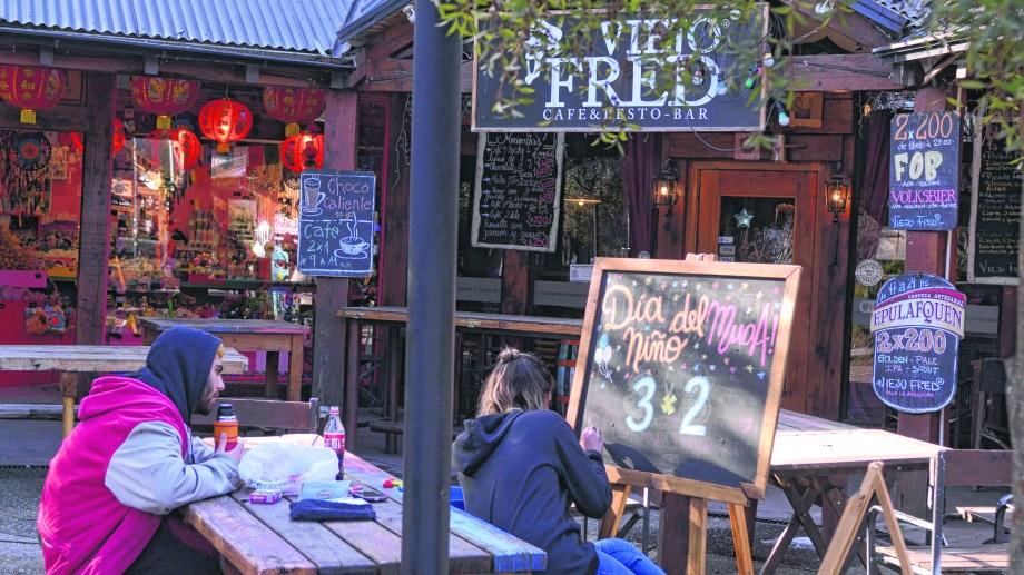 Todos los negocios de la ciudad están abiertos y a la espera de los turistas del finde largo. Foto: Alfredo Leiva
