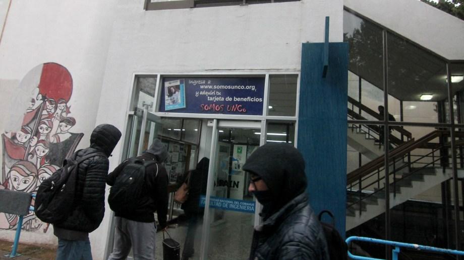 La Facultad de Ingeniería de la Universidad Nacional del Comahue fue el eje del trabajo de Aqueveque Reyedet.