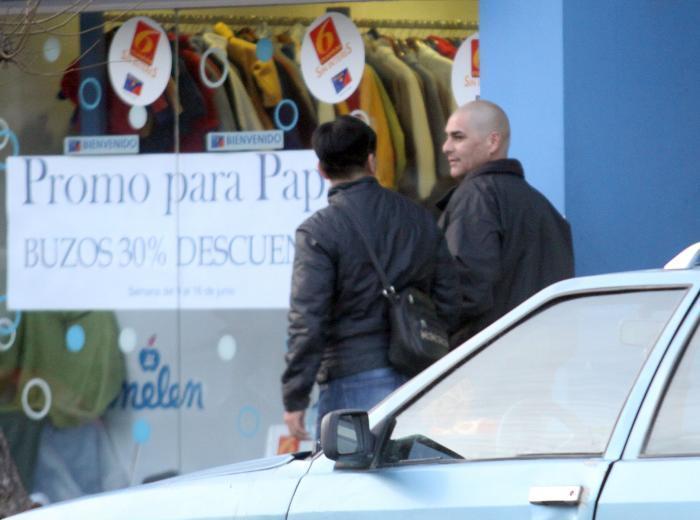 En junio de 2012, un fotógrafo descubrió a Poblete caminando por las calles de Zapala, pese a que no tenía ninguna autorización para hacerlo. Foto gentileza.