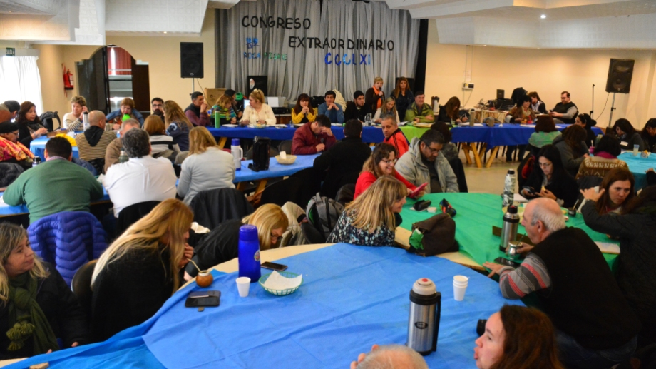 El Congreso del sindicato docente sesionó durante 12 horas en Roca.