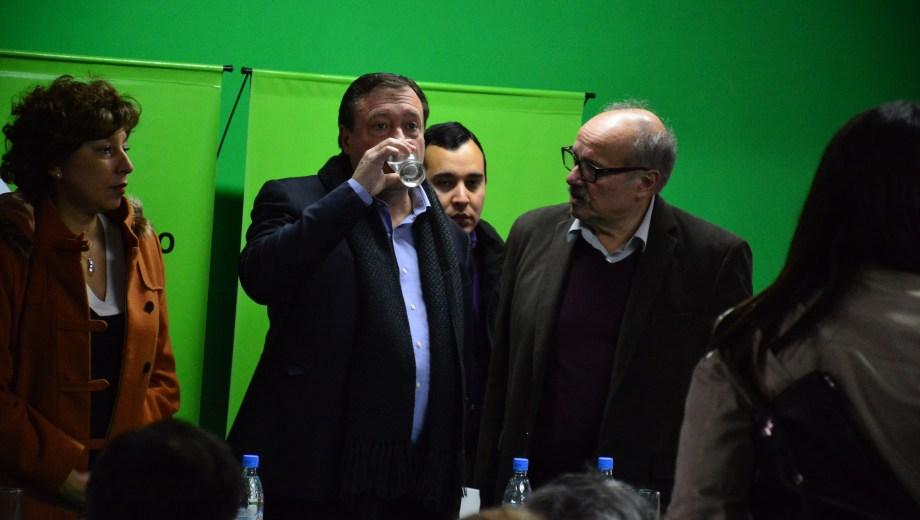 El gobernador estuvo esta mañana junto a Carreras y Di Giacomo en el Museo de Ciencias Naturales de Roca.