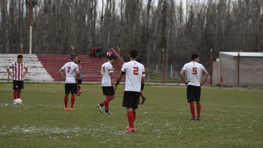 El Rojo sufrió su segundo descenso del año tras el del Federal A. (Foto: Juan Thomes)