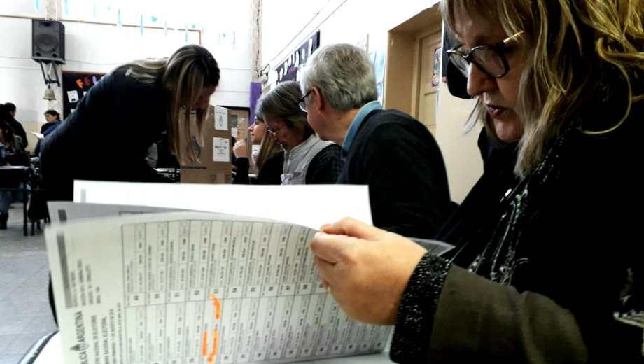 PASO 2918: Ya se vota en CIpolletti. (Foto: Mauro Pérez)