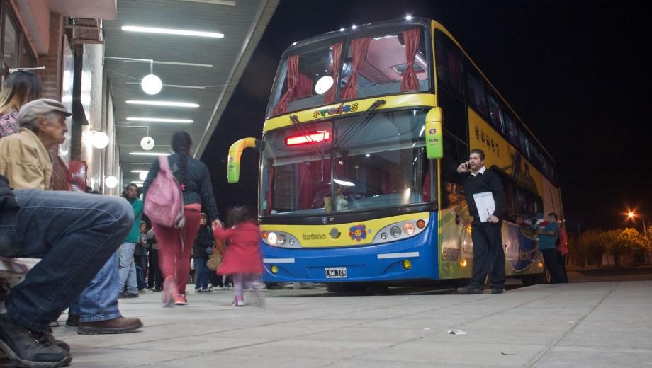 Patagones. 12-10-16. Imagenes nocturnas de la Terminal de Omnibus   Foto: Pablo Leguizamon