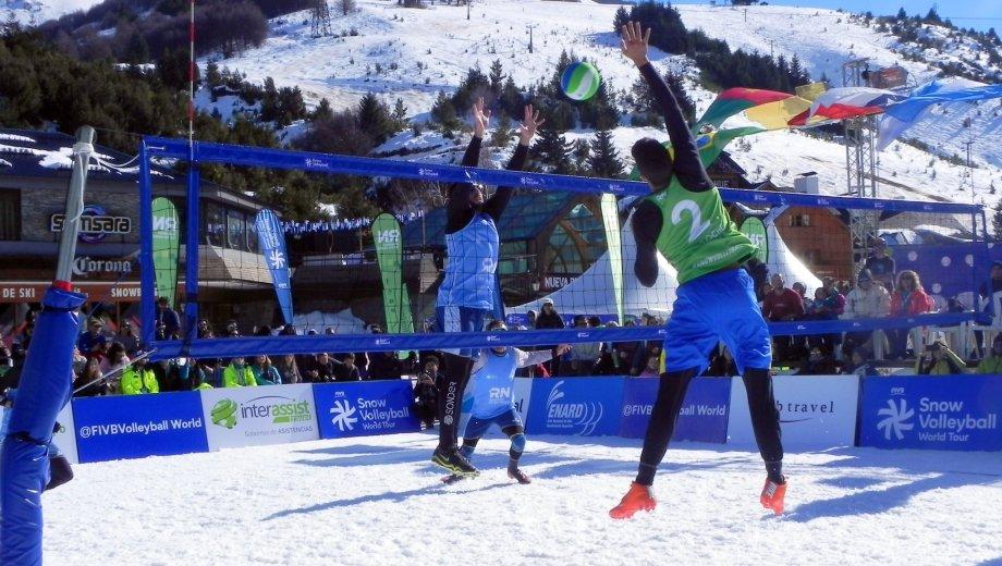 Dos equipos argentinos llegaron a semis en el Mundial de Snow Vóley y uno salió campeón. (Gentileza)