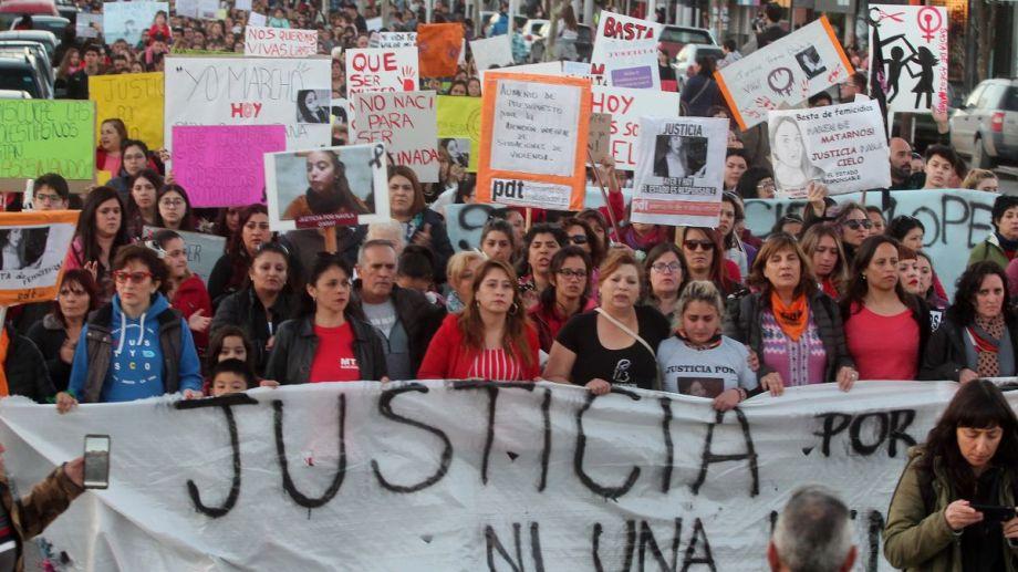 El femicidio de Cielo, en septiembre de 2019 en Plottier, dio lugar a enormes movilizaciones (Archivo)