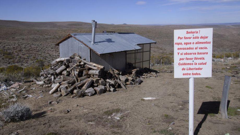 La casa del ermitaño quedó abandonada y fue saqueada. Foto: Marcelo Martínez