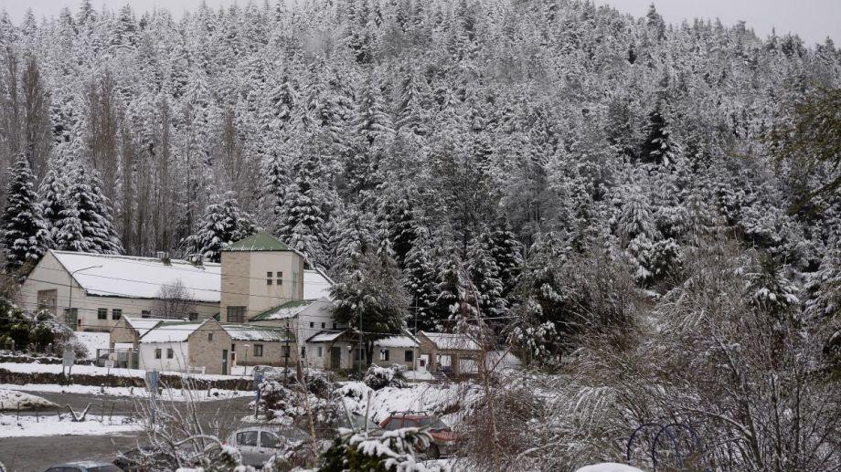 La nieve cubrió los barrios más altos de Bariloche. Archivo