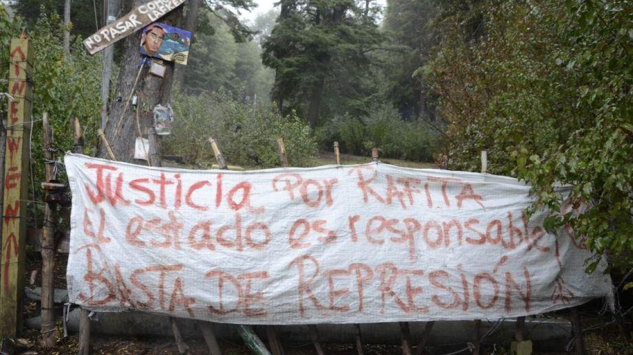 La comunidad mapuche Lafken Winkul Mapu se instaló en tierras de Parques Nacionales en Mascardi en 2017. Archivo